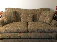 brown and pink floral sofa Colorado Springs, 80910