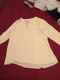 Maurices Pale Yellow Top Calgary, T3C 0M9