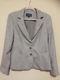 gray notch lapel suit jacket Victoria, V9A 3M4