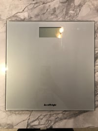 Accuweight electronic bathroom scale -brand new  Montréal, H1W 0B7