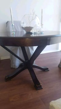 Solid Wood Dinning table $200 or best offer Mississauga, L5A 1A4