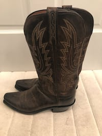 Lucchese brand brown leather snip-toe cowboy boots Washington, 20007
