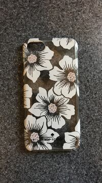 white and black floral iPhone case Thunder Bay, P7B