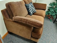 Loveseat, fabric Newport News, 23601