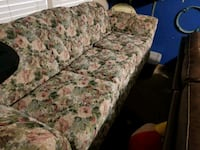 Floral pattern couch  Big Spring, 79720