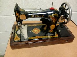 Working Antique Sewing Machine ( No Pedal)