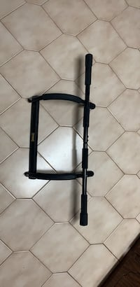 Everlast doorway pull up bar