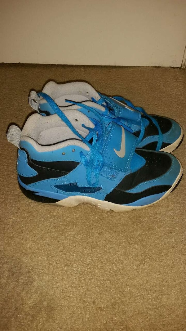 7fc0a42ce75341 Used blue and black nike lace up velcro strap basketball shoes for sale in  Reading - letgo