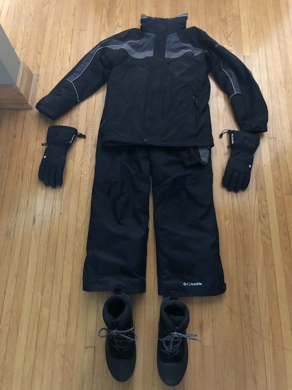 b6cc1863e Used Columbia Snowsuit Plus for sale in Toronto - letgo