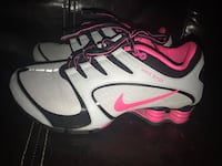 Women's Nike Shox size 7.5 like new  Mission, 78572
