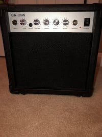 black and gray guitar amplifier