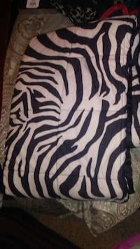 black and white zebra print throw League City, 77573