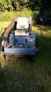1995 commercial Dixon ride-on mower Oxford, 01540