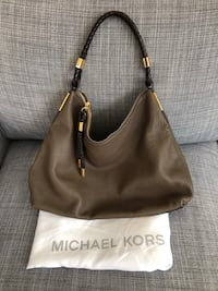 Authentic Michael Kors Skorpios Bag Toronto, M5B 1Y2