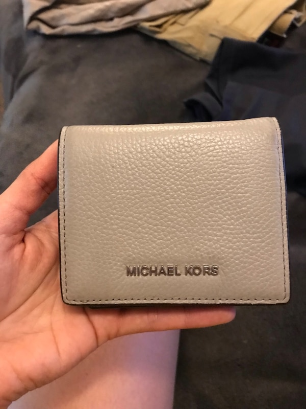 b4d59b004f18 Used Grey Michael Kors small wallet for sale in Martinez - letgo