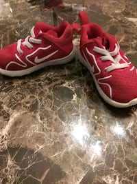 pair of red&white Nike running shoes KIDS SIZE5C Damascus, 20872