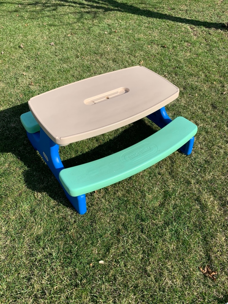Photo Little Tikes Easy Store Picnic Table