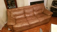 Soft Brown leather comfy couch Vaughan, L4K 4X6