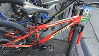 red and white Huffy hardtail mountain bike Los Ángeles, 90011