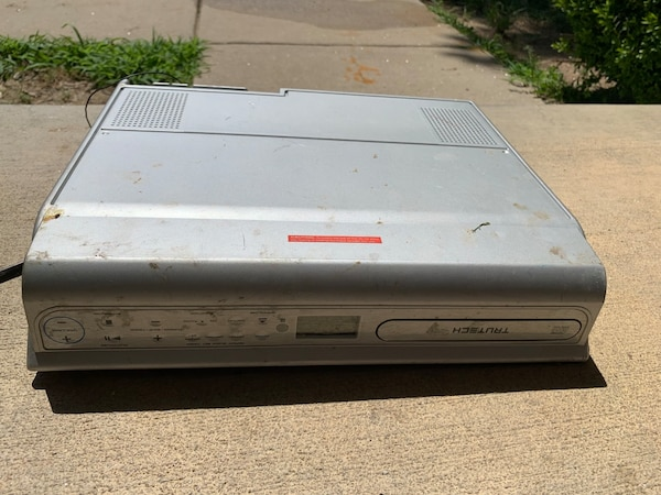 2 DVD players, 1 kitchen cd player. Bunch of dvd's 132edeaf-db74-4007-833f-9672af29e244