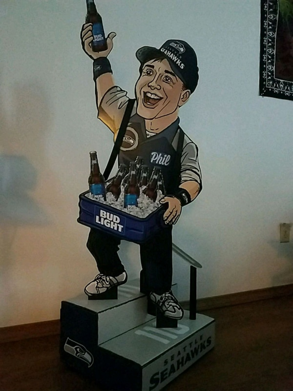 Seahawks bud light card board cut out  e84cd0e6-de5e-481e-994c-fe3a57d508af