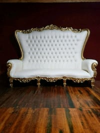 Luxurious White & Gold Sofa Hagerstown, 21740