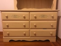 Solid Wood Baby Dresser and Removable Shelving Unit Like-New New York, 10462
