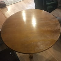 round brown wooden coffee table Southfield, 48075