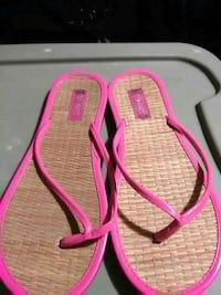 Hot pink patent leather like flip-flops Maryland, 21207
