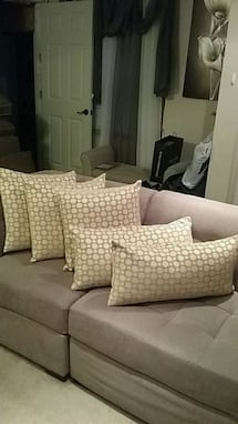 FiveThrow pillows.