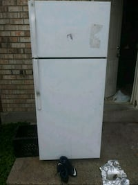 white top-mount refrigerator Terrytown, 70056