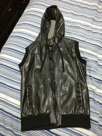 Men's Medium Faux Leather Sleeveless Hoodie Vancouver, V5Y 1Y6