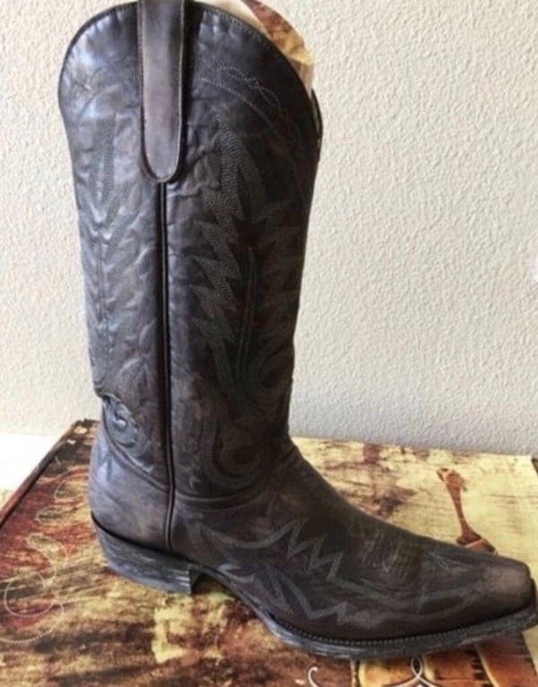 40b7c3e7cd94 Used brown leather cowboy boots for sale in Eastvale - letgo