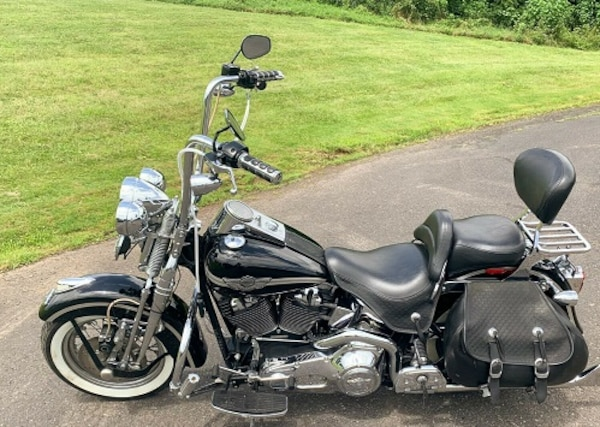 Battery tender included 2003 Harley-Davidson Softail