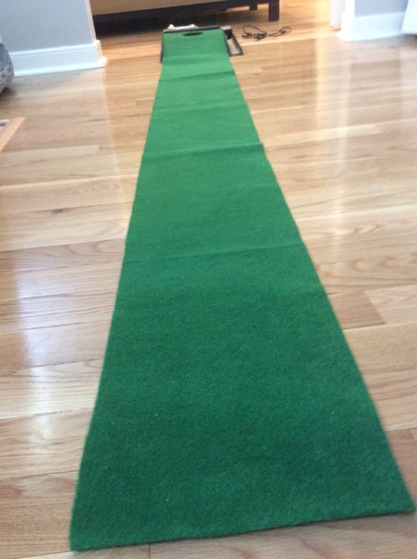 Golf putt putt practice anywhere! Great condition, used once, works great. Pickup in Falls Church . 1ce3d214-e526-4c9b-a779-ed0630636df7