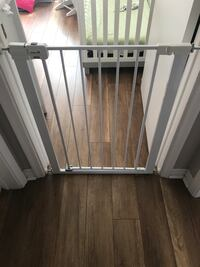 Baby Gate- Easy instal. Safety first