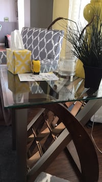 Glass with wood and metal bottom end table  Grand Blanc, 48439
