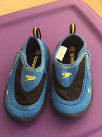 Swimming shoes - size 4/5 for toddler Mississauga, L5W 1Z4