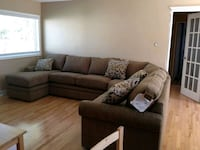 Lazy boy sectional couch  Mississauga, L4T 1J7
