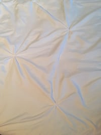 White queen comforter Bella lux brand  Lake Country