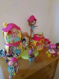 7 dolls with there animals and playhouse Crossville, 38571