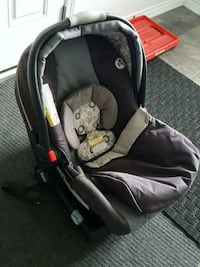 Baby carrier seat + base + cover  Ottawa, K2J 5Z4