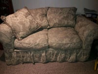 gray and brown floral loveseat Kissimmee, 34747