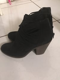 pair of black leather heeled booties Duarte, 91010