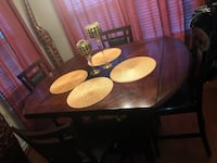 Dinning Room Set. Smoke and Pet free in great condition. Murfreesboro, 37128