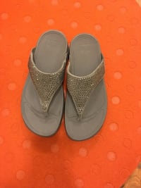Women fit flop shoes  size8 Edmonton, T6W 1S6