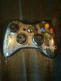 Modern warfare 3 remote(no back) Xbox 360 512 mi