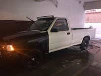 Toyota - Tacoma - 1990 Los Angeles, 90710