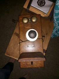 Antique phone contact for price its 100 percent functional  Baltimore