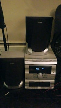 speakers and cd and kaset Surrey, V3R 5C3